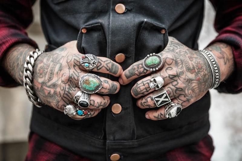 Tatuaże W Pracy Portal Biznesowy Platforma Dla Firm